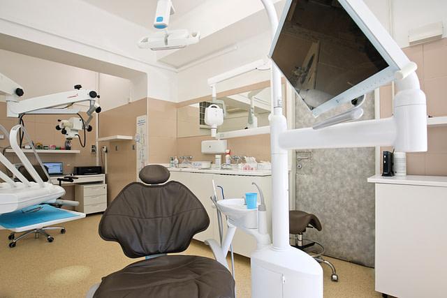 zubár Nivy
