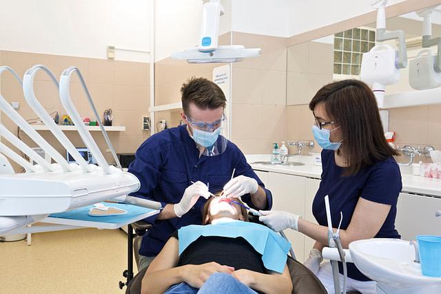 rekonštrukcia zuba Ružinov